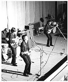 I Beatles al Teatro Adriano di Roma nel giugno 1965.